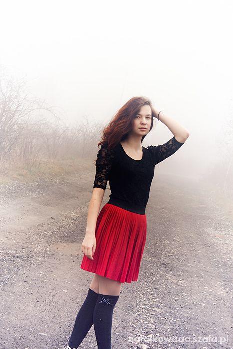 Spódnice Czerwona plisowana S