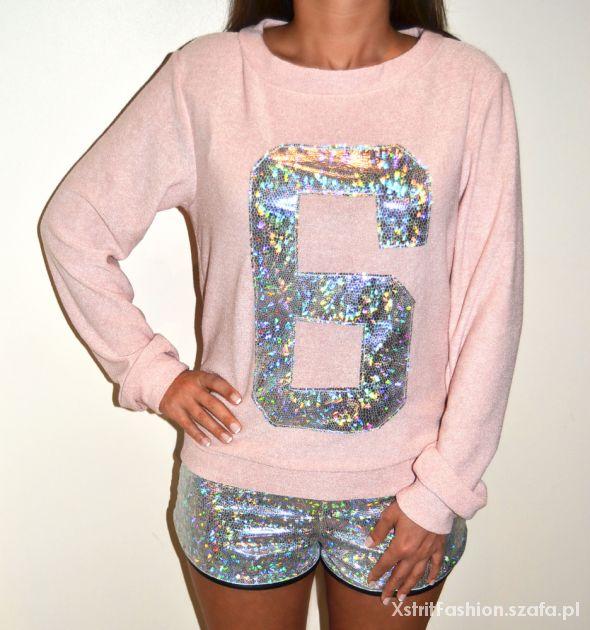 Swetry Bluza sweter pudrowy róż z numerem 6 hologram