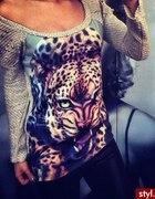 sweter z tygrysem