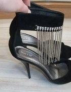sandały szpilki