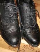 szukam butów botek 36 i 37 np Clara Barson...
