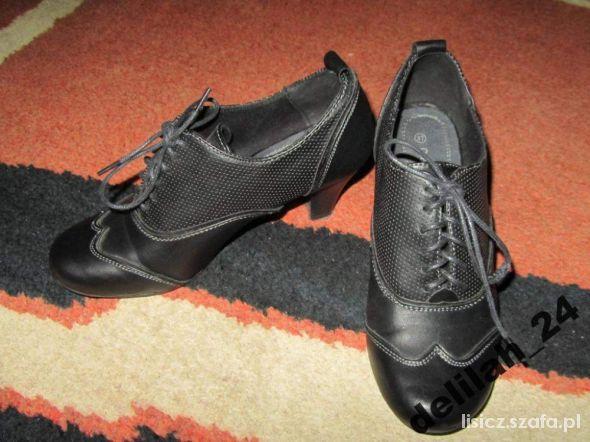 Obuwie buty botki