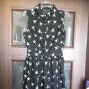 Granatowa sukienka w kolibeki