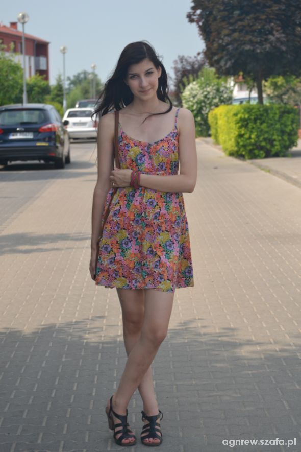 Mój styl Kwiecista sukienka z H&M