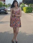 Kwiecista sukienka z H&M