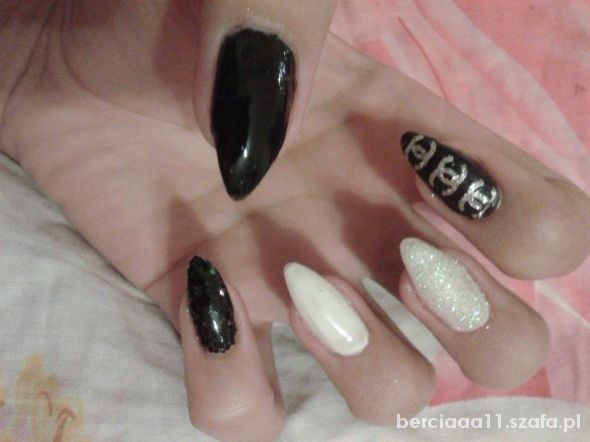 chanel black and white