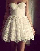 Prześliczna rozkloszowana sukienka