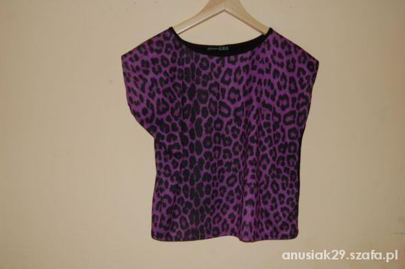 Bluzka oversize z fioletową panterką