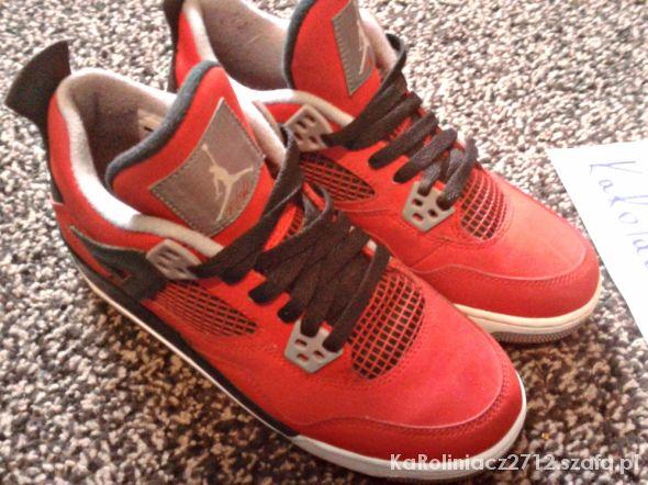 Nike Air Jordan IV Toro Bravo...