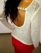 Sweterek z dekoltem na plecach