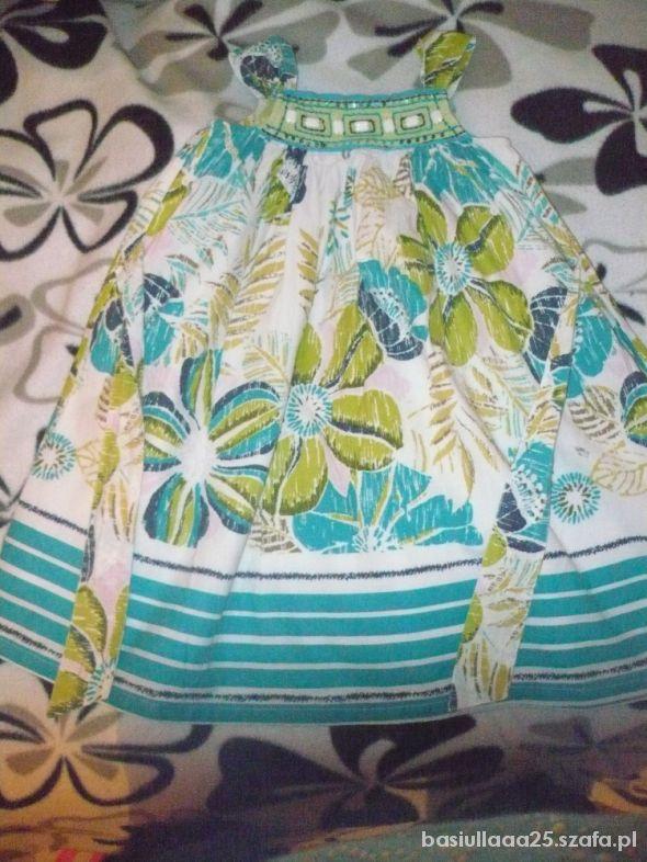 sliczna sukienka na 5 lat w kwiaty z podszewka