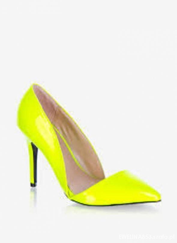 żółte neonowe asymetryczne szpilki deezee