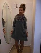 Włoska dresowa sukienka HIT