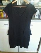 Sliczna czarna dopasowana sukienka