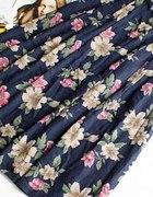 Spódnica retro w kwiaty...