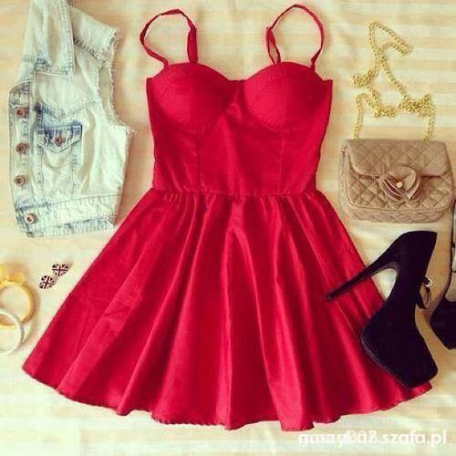Czerwona sukienka SZUKAM