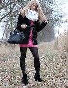 Rożowo Czarno