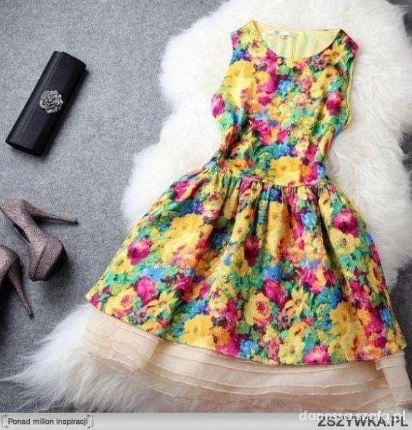 sukienka kolorowabarwna