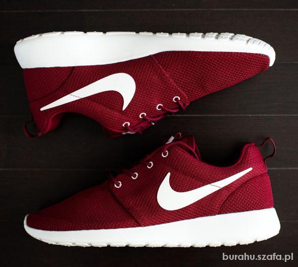Szukam Nike Roshe Run Bordowe 40