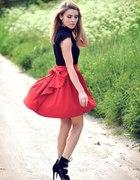 spódnica czerwona z kokardą