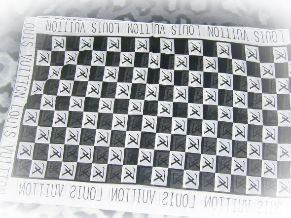 Chusty i apaszki Louis Vuitton apaszka chusta LV biało czarna