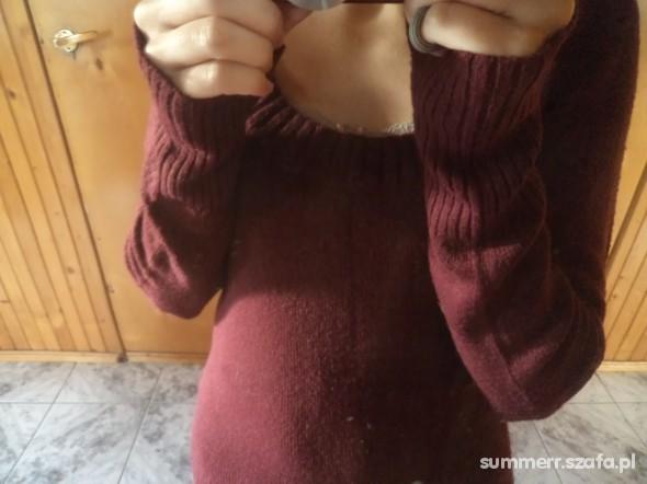 sweter barwy czerwonego wina 34