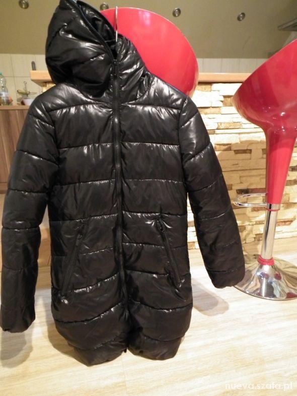 Pikowany zimowy płaszcz