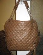 Brązowa pikowana torebka