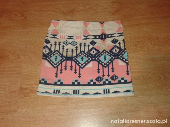 Spódnice aztec bershka m