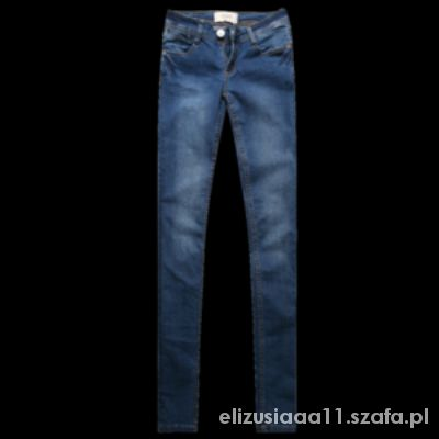 Ubrania jeansy
