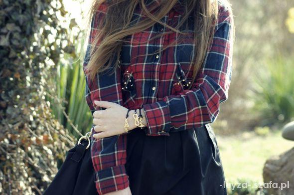 Mój styl czerwona koszula w kratę