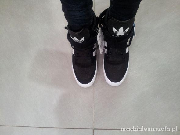 buty sportowe na platformie adidas