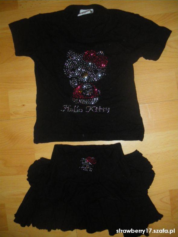 Komplety T Shirt i spódniczka