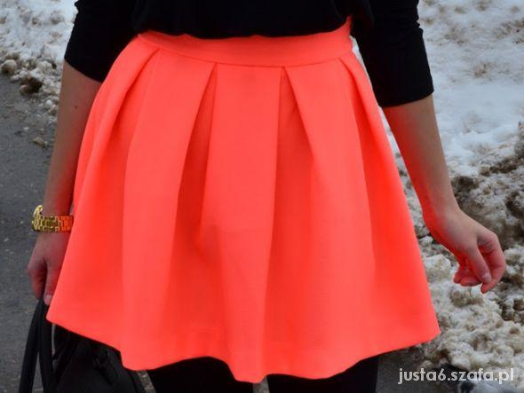 Spódnice Rozkloszowana neon