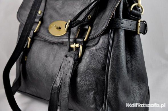 Czarna listonoszka torebka ATMOSPHERE