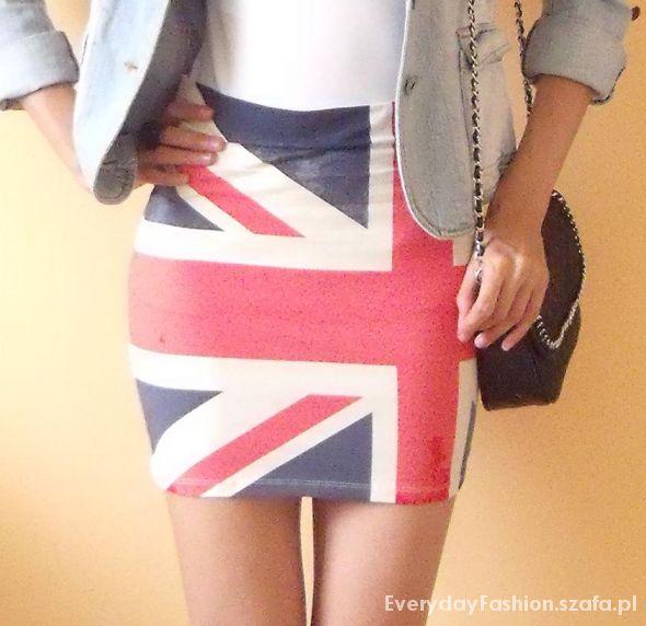 Spódnice spódniczka z flagą bershka spódniczka bandażowa s