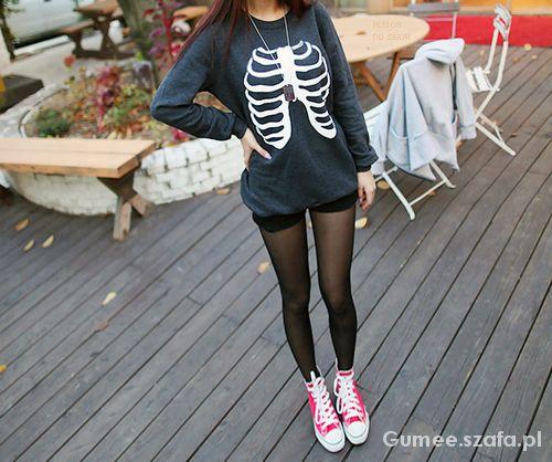 Czarna bluza motyw szkieletu