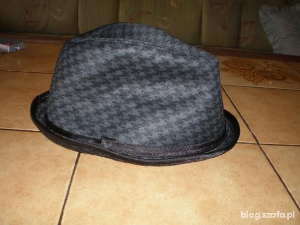 Nakrycia głowy kapelusz