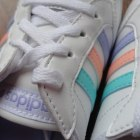 Kurtka Bershka miętowa pikowana baleriny Adidas