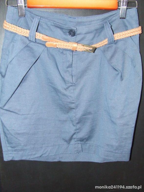 Spódnice Spódniczka S