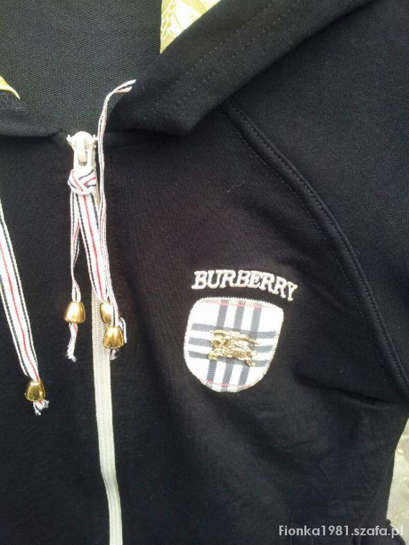 dres marki Burberry...