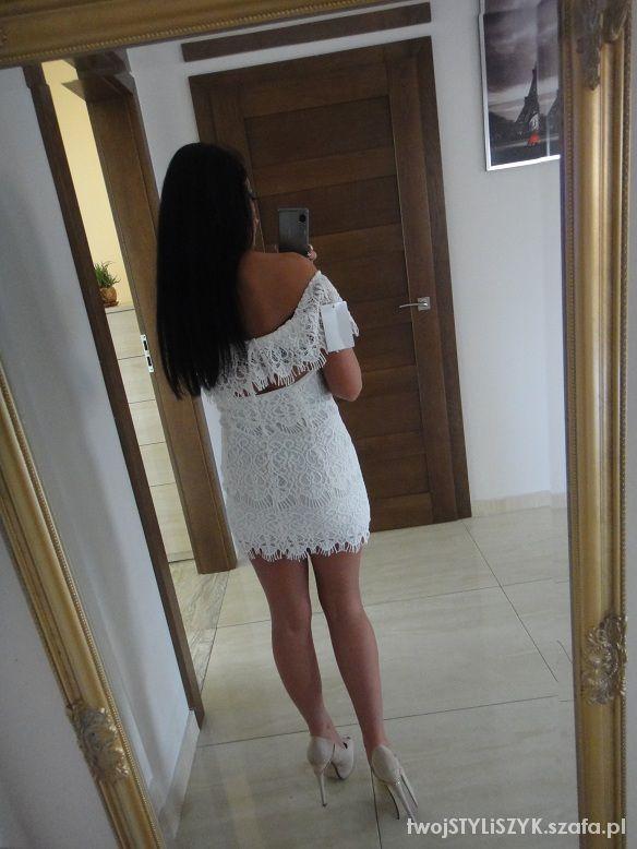 Eleganckie sukienka koronkowa