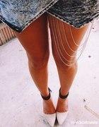 hit asymetryczne jeans