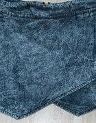 spodenki asymetryczne jeansowe