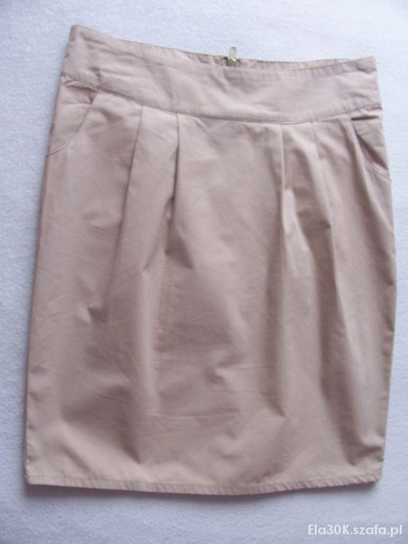 Spódnice Beżowa z zamkiem M
