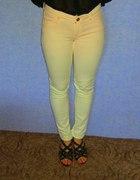 Świetne jasne spodnie rurki