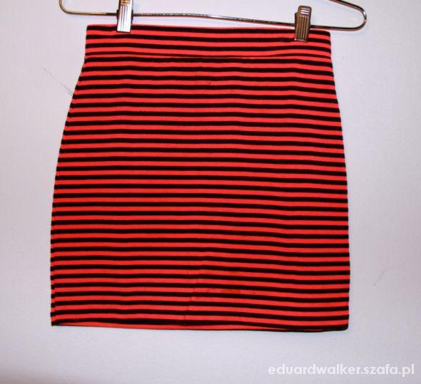Spódnice mini w paski