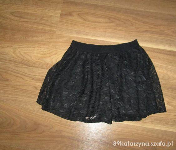 Spódnice Koronkowa spódniczka rozkloszowana