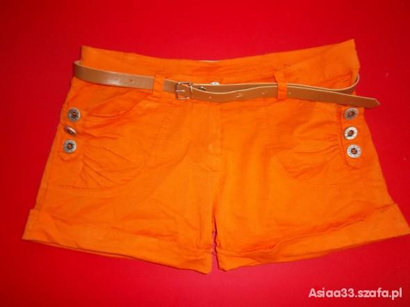 Neonowe spodenki pomarańczowe modne
