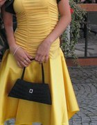 Żółta sukienka...